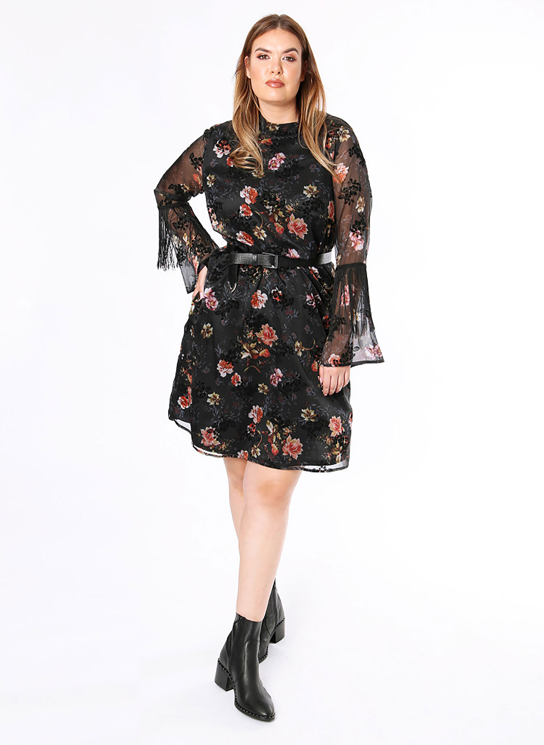 45c7a88a9ef6 ΜΕΓΑΛΑ ΜΕΓΕΘΗ ΦΟΡΕΜΑΤΑ :: Φλοραλ Φόρεμα με Κρόσσια στο Μανίκι - Μόδα ...
