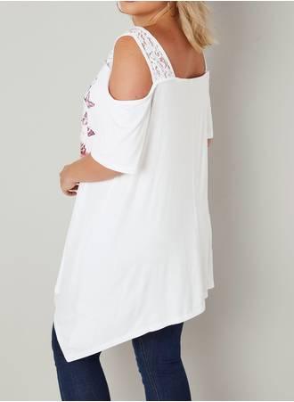 Λευκή Έξωμη Μπλούζα με Τύπωμα Φλοράλ White_Slogan_Jersey_Cold_Shoulder_Top_With_Diamante_Details_132704_f916_2_nc5g-7z Maniags